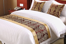 cheap jacquard bed runner for hotel bed setting/decoration bed runner and cushion cover