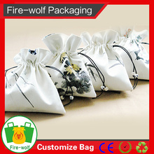 Jute bag with drawstring for gifts package