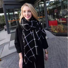yywbjwj M813 new European and American wild thick black and white plaid shawl air conditioning to get out of it king of the same