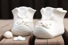 Fashion and creative ceramic shoe shape art craft