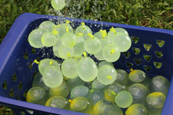 Hot Summer Magic bunch o balloons cool water balloons in bunch