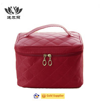 bulk round red cosmetic bag wholesale