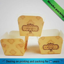 Small paper tray for cupcake packaging