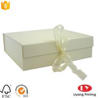 customized glossy white plain folding cardboard gift box with ribbon