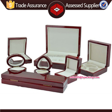 Luxury lacquer wooden gift box wooden packaging box wooden jewelry box made in china