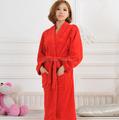 Plus size atractivo barato 100% poliéster ropa de noche en blanco