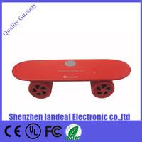 Portable kids skateboard mini bluetooth speaker for iphone6 6plus samsung galaxy s6 s3 xiaomi huawei laptop