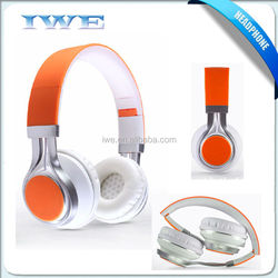 Fashion earphones and headphone plastic types of headphone for mobile with mic