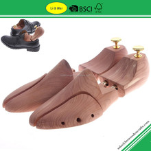 LM003C 2015 Hot Selling Red Cedar Shoe Trees