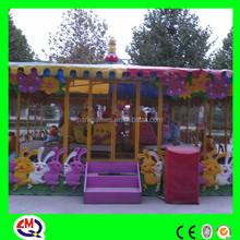6 cabins amusement ride spray ball train for theme park