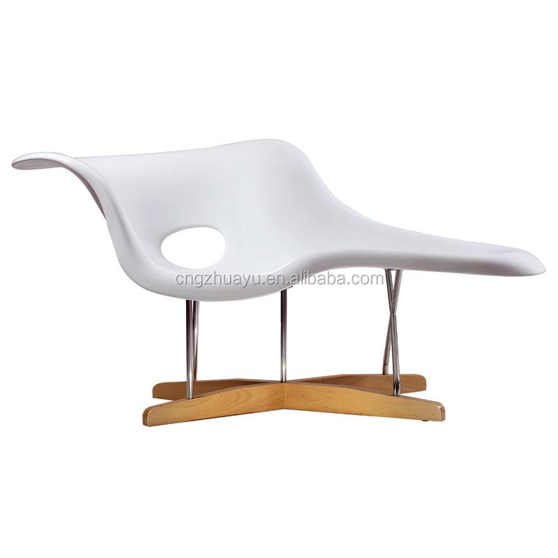 Modern la chaise buy la chaise la chaise chair modern - Chaise medaillon moderne ...