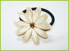 Ivory color Resine Daisy flower hair tie