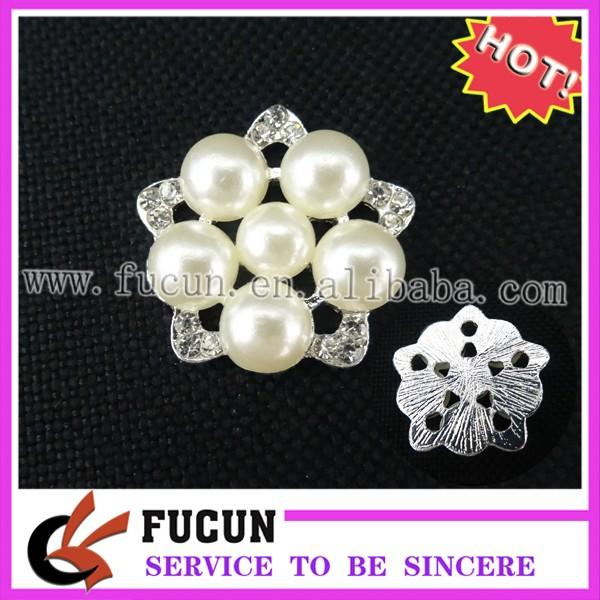 pearl brooch.jpg