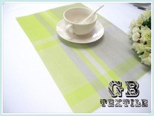 modern table runner and placemats