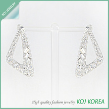 Triangle Design Earrings/ crystal stone&Rhodium color
