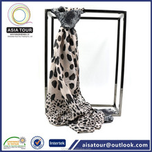 Latest Ladies Chiffon Fabric Infinity Scarf Spring Winter Leopard Print Date Chiffon Headwear /Hijab Wholesale