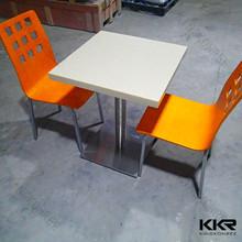 Ampliamente el uso de superficie KFC mesas y sillas