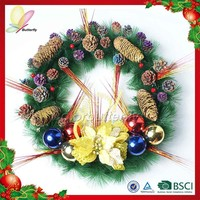 2015 high quality plastic wreath christmas wreath new design door wreath hanger
