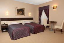 Promotion Luxury Stylish China Round Moon Bed/Hotel Furniture Set/Solid Wood Bedroom Set