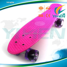 22 inch skate board with 4 PU wheel