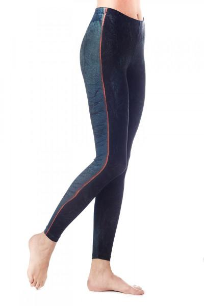 lava-leggings-2-900x1200.jpg