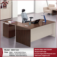 Color Optional Modern Office Table Photo