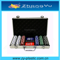 packing in aluminum case custom poker set