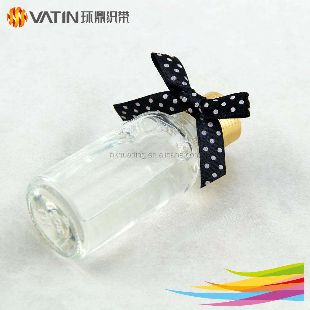 All'ingrosso del braccialetto di raso del raso di colore bianco nero usato largamente ampiamente su ordinazione