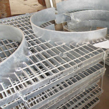 Hot sale!30x3 hot dip galvanized steel grating weight price from direct factory