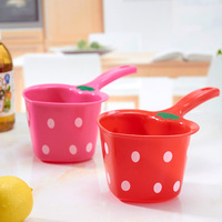 Strawberry and heart-shaped plastic spoon baby shower bath water bailer children shampoo tools scoop