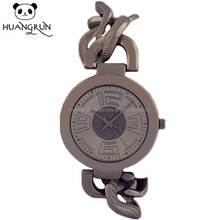 Hot selling china facotory silver black band metal twisted strap wrist alloy watch