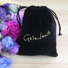 2015 New Design Black Velvet Pouches Wholesale