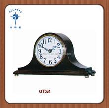 China Woodpecker retro style high glossy finish desktop clock wooden mantel clock