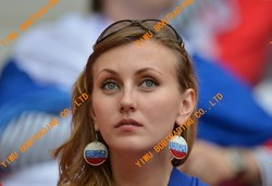 Fashionable Promotion euro world cup football fan gifts promotion opener keychain