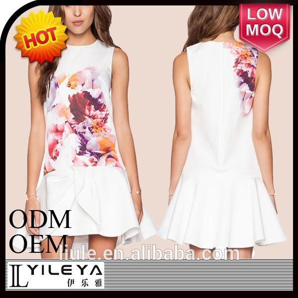 Últimas blanco de una sola pieza del vestido con impreso floral de la mujer vestido corto con buen dobladillo