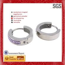Primitive pattern happy small white opal&rhinestone stud earrings