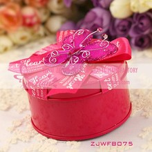 Rose Red Round Shape Metal Tin Box With Butterfly Decoration For Wedding Decoration Wedding Gifts and Favors Wedding Candy Boxes