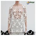 2015 bailange blusas& tapas tipo de producto de moda nuevos huecos a cabo cordón blusa de las señoras chalecos blancos