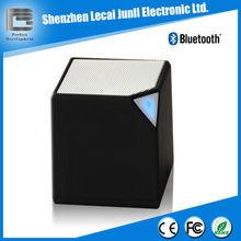 Mini cube speaker bluetooth with microphone