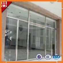 esterno porta di vetro solido
