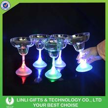 Promotion Custom Plastic Light Up Flashing Wholesale Martini Glass Vases Centerpieces