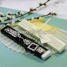 Wedding Gift / Factory Price Popular Luxury Silk Fan Personalized Tag Wedding Decoration