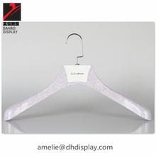 Stone finish plastic hanger purple water transfer coat hanger