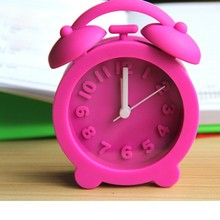 2015 Alibaba Trade Assurance cute silicone alarm clock cute table clock