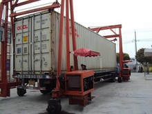 Mobile hydraulic container cranes