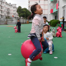 Wholesale Promotional ECO-friendly high bouncing hopper ball and tennis jumping ball with handle for kids