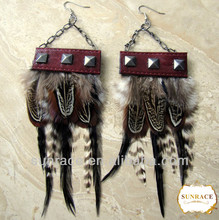 el último diseño de moda pluma con aros de aleación