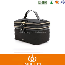 2015 hot sales convinient ayered patent PU cosmetic case with metal zipper