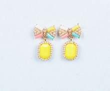 Korean version of the alloy earrings, delicate and beautiful and comfortable
