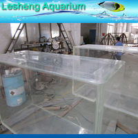 zoo fish tank aquarium